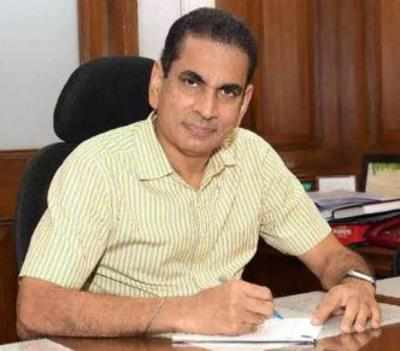 'Local trains may be behind cases going up': Municipal commissioner Iqbal Singh Chahal