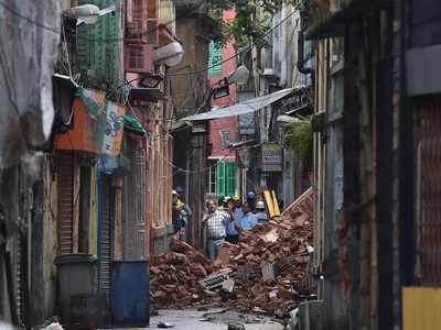 Bowbazar house collapse: Elderly woman dies after becoming homeless