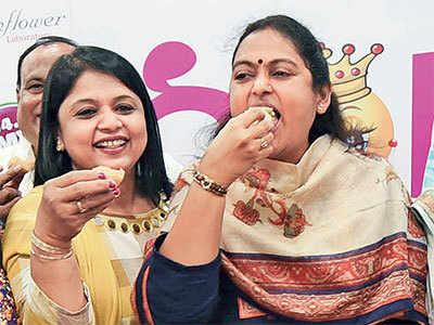 Mayor downs panipuri as AMC swallows panipuri biz