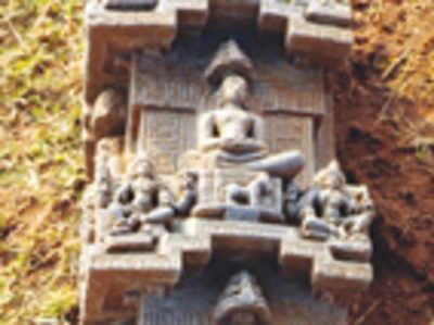 800-year-old Jain inscription discovered close to Mandya