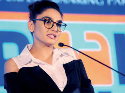CCB asks Ragini Dwivedi to appear on Friday
