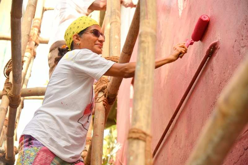 Khar locality gets painted in a myriad of colours!