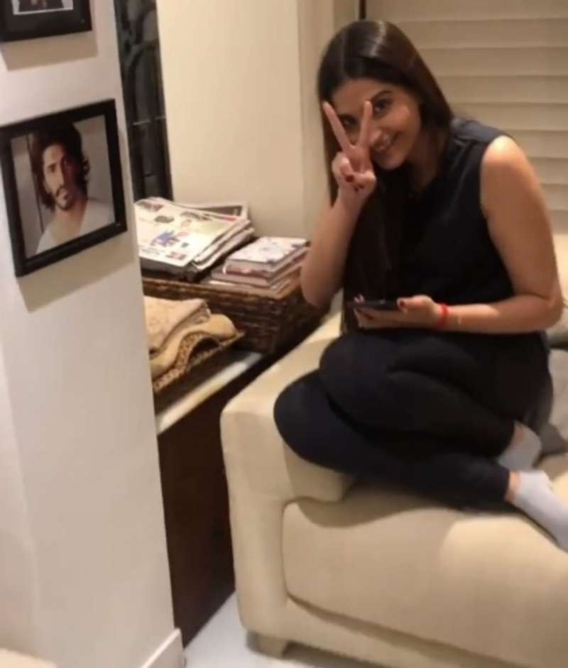 Anupam Kher has a special gift for bride-to-be