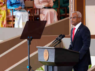 Maldives: President Solih says state coffers 'looted' after China-led boom