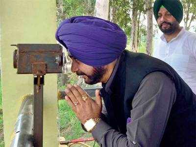 Time for positive steps on gurdwara in Pak: Sidhu