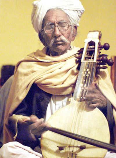 Kamancha maestro Sakar Khan dies