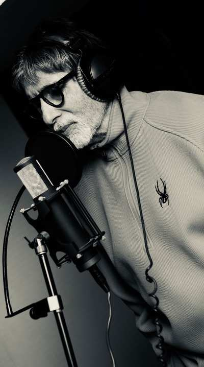 102 Not Out: Amitabh Bachchan croons for film with Rishi Kapoor despite illness