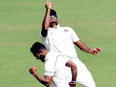 Ranji Trophy: Turner gives Mumbai hope