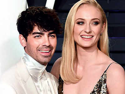 Joe Jonas Gushes Over Wife Sophie Turner