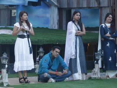 Bigg Boss 12 Day 81 6th December 2018 Episode 82 Highlights: Salman Khan to grill Surbhi Rana and Rohit Suchanti?