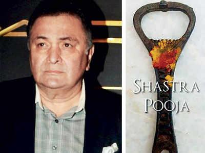 Rishi Kapoor's 'shastra pooja' on Dussehra