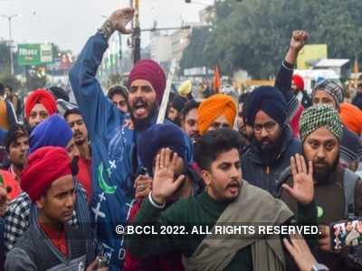 Farmers' Protest: 22 injured in clash with police, two cops critical