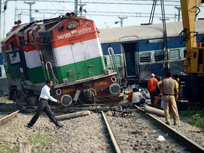 Five killed as express train derails in UP