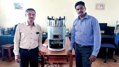 Duo comes up with instant upma maker
