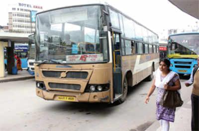 Pushpak buses still have only one exit door, despite BMTC's reassurances