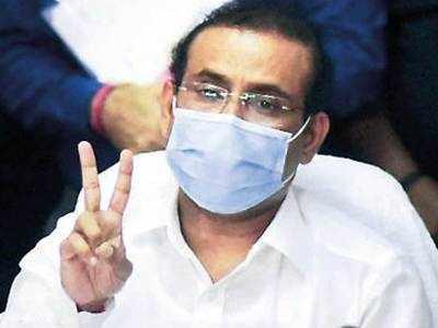 Vax centres shutting amid dose shortage, says Maha health min