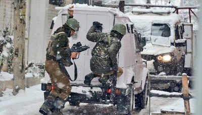 CRPF thwarts attack on camp in Srinagar