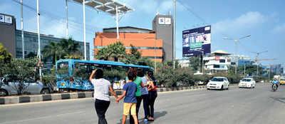 Residents of Bellandur demand skywalk on ORR