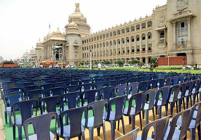 HD Kumaraswamy's swearing-in ceremony: Leaders of at least 12 different parties to attend; new front taking shape?