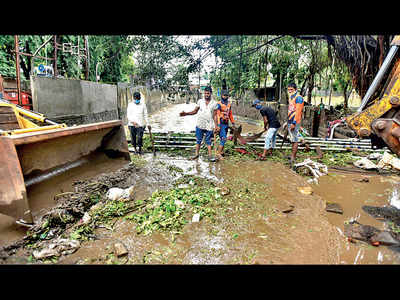Fears come flooding back for residents along Ambil Odha
