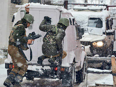 Security forces under attack: CRPF thwarts attack on camp in Srinagar