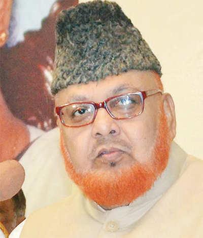 Kolkata's Imam sparks row again: 'Women should always be in veil'