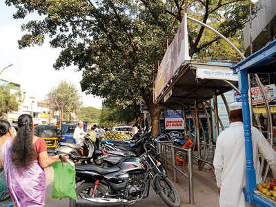 Illegal parking at bus stop irks Pimpri locals