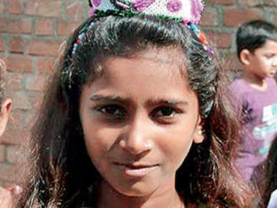 Schoolbus crushes 14-yr-old to death