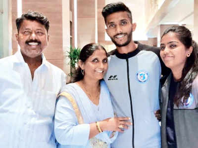 Mumbai football star laces up for his city