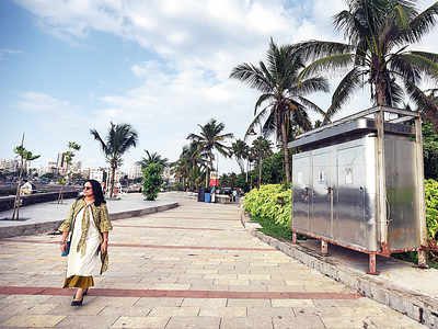 Two more e-toilets at Bandstand and Bandra post office become defunct due to lack of maintenance, one goes missing