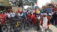 Maharashtra: Farmers reach Pune for cycle rally against Farm Laws