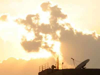 No rains, Bengaluru feels the heat