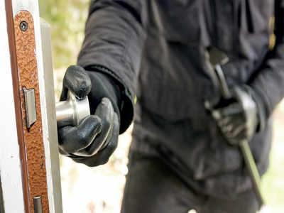 Locked homes on burglars' radar