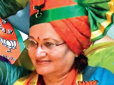 Former mayor Mukta Tilak's Twitter handle hacked