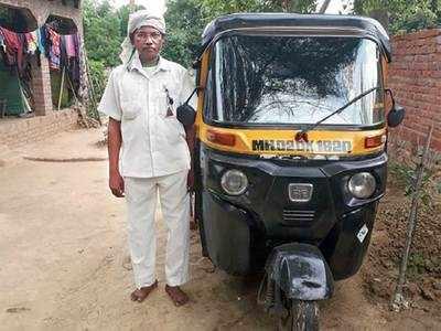 Taxi, auto drivers in Uttar Pradesh waiting to return to Mumbai