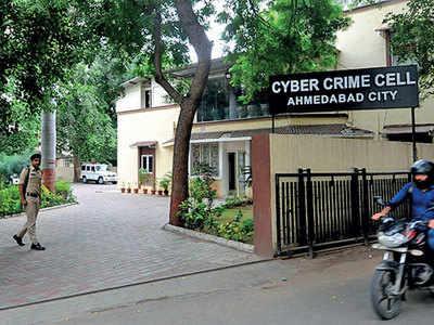 2Nigerians held in nationwide I-T cyber-fraud