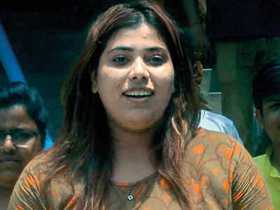SC grants bail to BJP youth activist, asks her to apologise