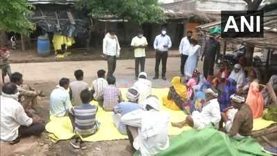 Maharashtra: Officials visit tribal villages to combat mistrust on COVID vaccination
