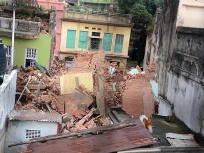 Building collapses in Kolkata's Bowbazar due to East-West Metro project