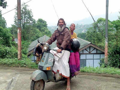 Modern-day Shravan Kumar gets a gift from Anand Mahindra