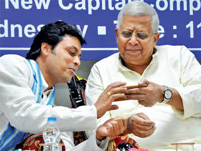 Twitter roasts Tripura CM Biplab Kumar Deb's claims on internet during the Mahabharata era
