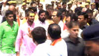 Ayodhya: Uddhav Thackeray offers prayers at Ram Lalla temple