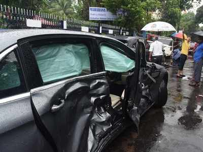 Kolkata: Speeding Jaguar hits police outpost, kills Bangladeshi couple