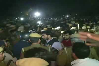 JNU protests live updates: Agitating students return to campus as detainees freed