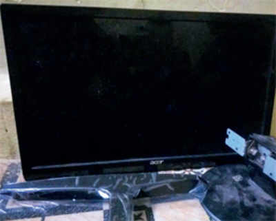Faux box: Man orders 50-inch TV, gets 13-inch monitor