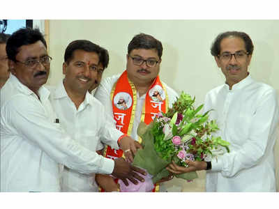 Former Congress minister Satish Chaturvedi's son Dushyant joins Shiv Sena