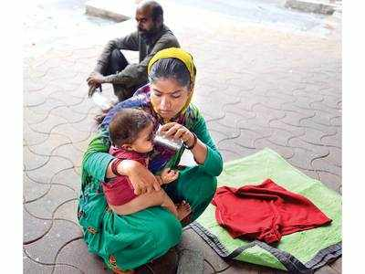 Migrants shooed out from ST stand, their meals halted