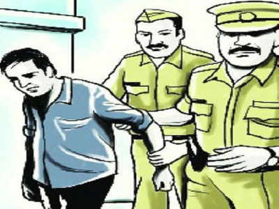 Three held for trying to sell red sandalwood