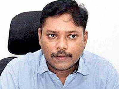Another IAS officer quits, says democracy compromised