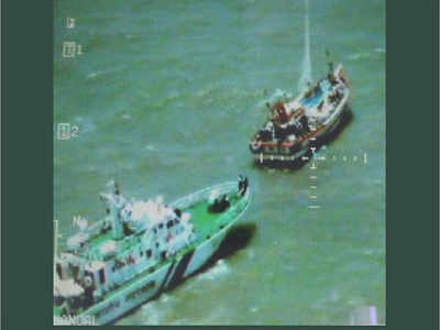 Coast Guard seizes Pakistani boat carrying heroin worth Rs 6 billion off Gujarat coast